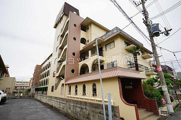 大阪府豊中市小曽根1丁目の賃貸マンションの外観