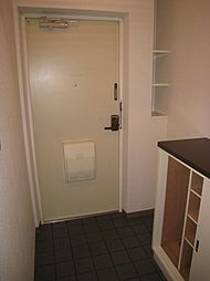 プライマリー大和のシューズボックスも完備されている玄関です。