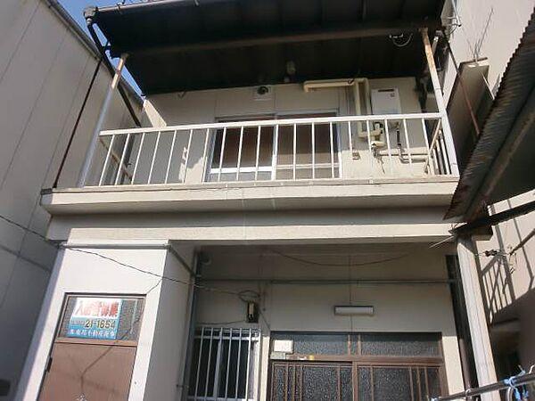 広島県呉市吉浦東本町1丁目の賃貸アパート