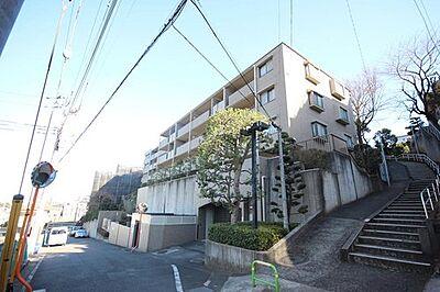 少し優雅に、眺望の良い部屋で新生活をしてみませんか?高層階や建物自体が高台などに立地していたり、青空がみえたり、眺望や窓からの景色が良いと、家で過ごす時間も快適です。,3LDK,面積81.64m2,価格3,699万円,東急田園都市線 梶が谷駅 徒歩14分,JR南武線 津田山駅 徒歩15分,神奈川県川崎市高津区上作延1196-1