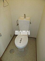 安田学研会館 東棟のシンプルな洋式トイレ