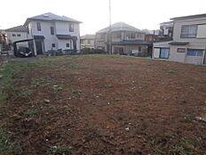 土地面積60坪超えのゆったりとした敷地です。