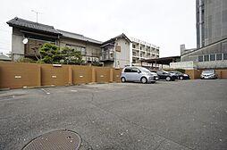 敷地内駐車場空きあり。月額15000円です。