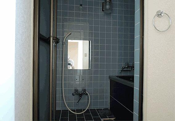 お風呂には窓が...
