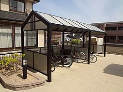 三重県松阪市曽原町の賃貸アパートの外観