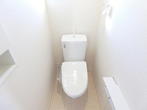 トイレは各階に...