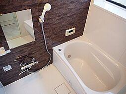 嬉しい浴室乾燥機付きで雨の日の洗濯も安心。追炊き機能付き。