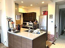 人気のカウンターキッチン収納も充実しております。