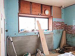 リフォーム中写真12/6撮影キッチン システムキッチンに新品交換します。収納は引き出し式で、大きなお鍋やフライパンもすっきり片付きます。