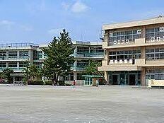 鶴川第三小学校(467m)