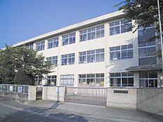 鳩里小学校…約1900m
