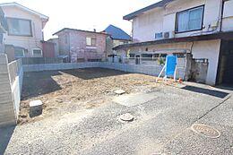 宅地分譲お好きなハウスメーカーにて建築いただけます。\nご予算・ご要望に応じて弊社提携工務店のご紹