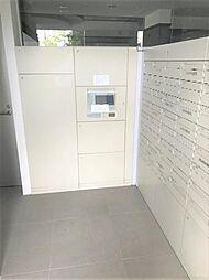 不在時も安心の宅配BOX。共働きのお家にはうれしい設備です。