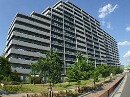 大阪府茨木市東太田3丁目の賃貸マンションの外観