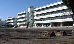 西東京市立田無第一中学校まで900m、西東京市立田無第一中学校まで徒歩約12分。