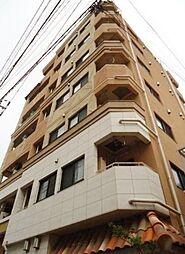 東京都世田谷区大蔵2丁目の賃貸マンションの外観