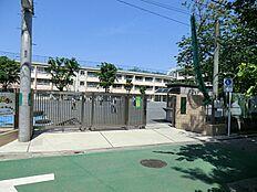 三鷹市立 第五小学校まで422m