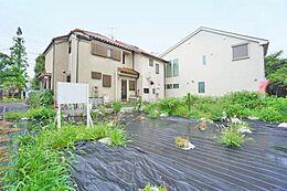 閑静な住宅街とはまさにこの場所建築条件はございません。お好みの建築メーカーさんでどうぞ。