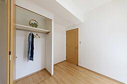全室収納付きお部屋がスッキリ片付きますね