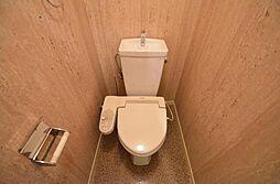 UNOEビルのシャワー付トイレ