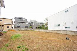 建築条件はございませんので、お好きなハウスメーカーにて建築できます。