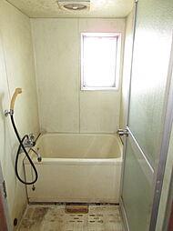 角部屋のメリットは浴室に窓があることです。