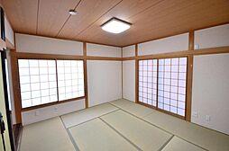 1階和室リフォーム済。畳の表替えと壁クロスの張替えを行いました。ご来客用のスペースにいかがでしょうか。