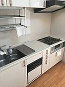 システムキッチン食器洗浄機付き。