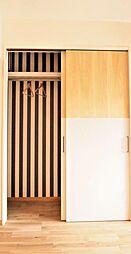 クローゼットプラン例扉設置、壁紙貼替(同一タイプ)工事費30万(価格に含みません)
