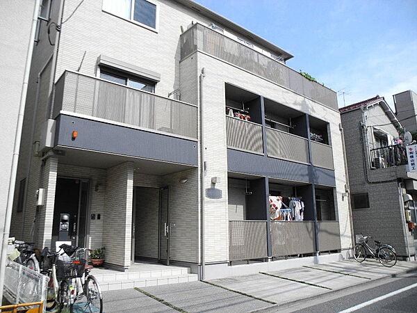 東京都荒川区東尾久4丁目の賃貸アパートの外観