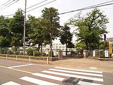 昭島市立拝島第三小学校まで750m(徒歩9分)