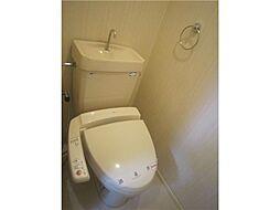 レジデンス茶屋町のウォシュレット付きトイレ