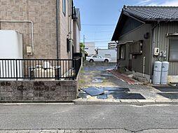 前面道路幅員約6.0mのため、広々駐車可能