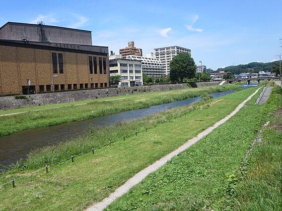 中津川河畔まで...