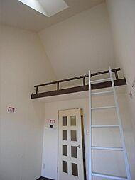 シャトル5[2階]の外観