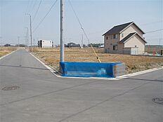 敷地角部分にゴミ集積所がございます