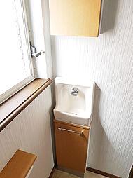 トイレにも手洗い場有り