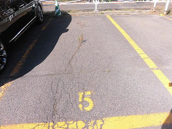 駐車場 1台分...