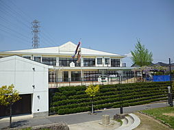 半田市立横川保育園 徒歩 約5分(約350m)