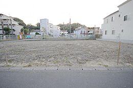 京王線「百草園駅」まで徒歩3分にある利便性に優れた土地