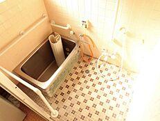 リフォーム前写真お風呂は0.75坪のユニットバスに新品交換予定です。