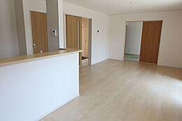 和室を合わせると24.2帖の大きなお部屋大家族様でもゆったりお過ごし頂けます。