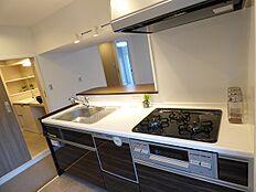 食洗機付の対面カウンター付キッチン