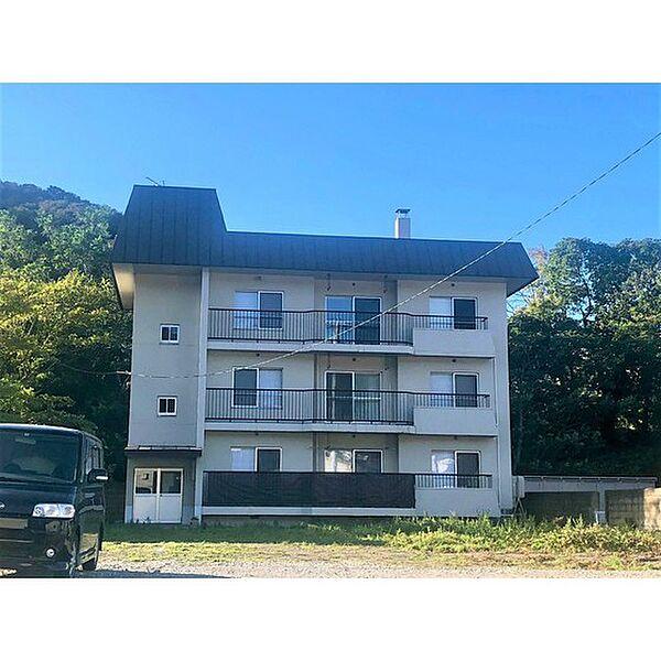 港南町アパートメント 2階の賃貸【北海道 / 室蘭市】