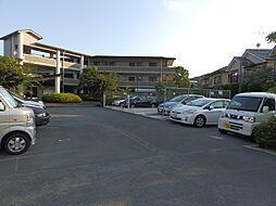 京都府京都市山科区御陵黒岩の賃貸マンションの外観
