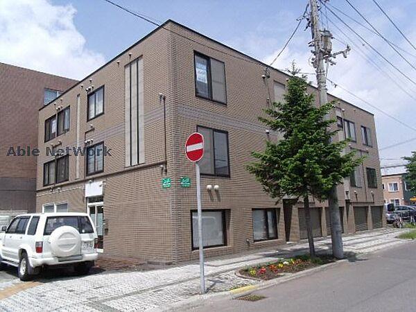 北海道札幌市東区北二十四条東16丁目の賃貸アパート
