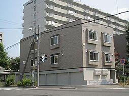 グランシュール32[3階]の外観