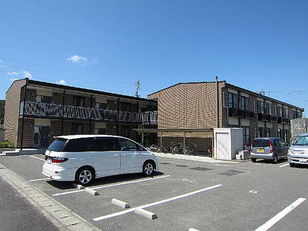 徳島県鳴門市鳴門町高島字中島の賃貸アパートの外観