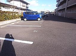 セレーナ福田の駐車場